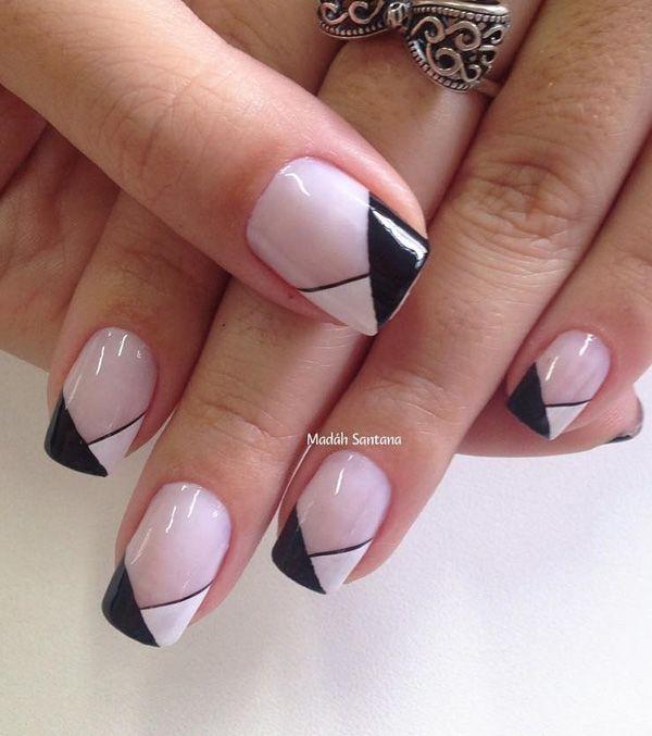 Amazing black & white Chevron design nail art