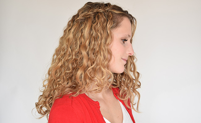 Amazing side braid style for teenage Curly Hairstyle