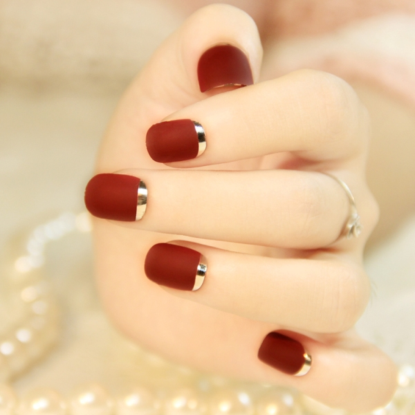 Attractive red golden Color blocking nail art