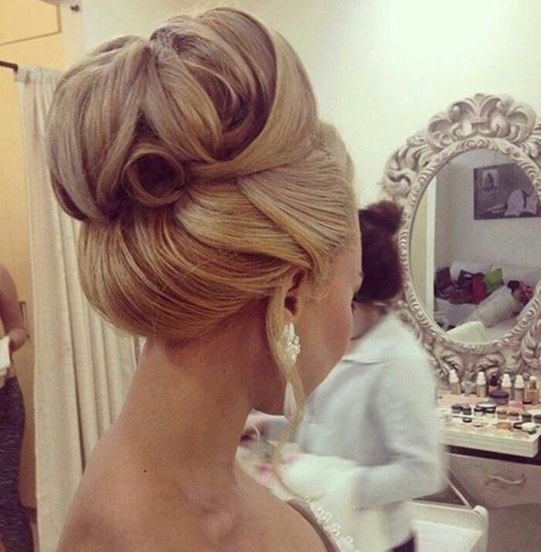 Awesome bride Bun Hairstyle