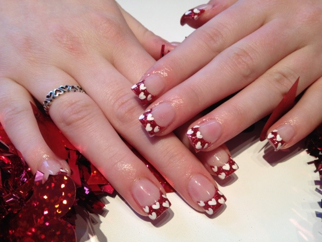 Beautiful heart Christmas nail art