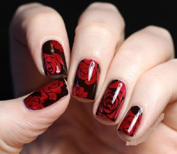 Beautiful red roses Chevron design nail art