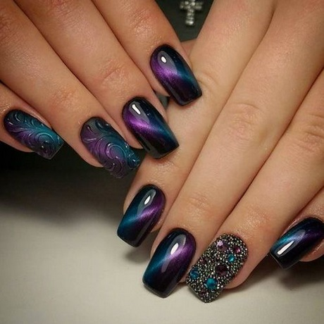 Best black and purple design Ombre nail art
