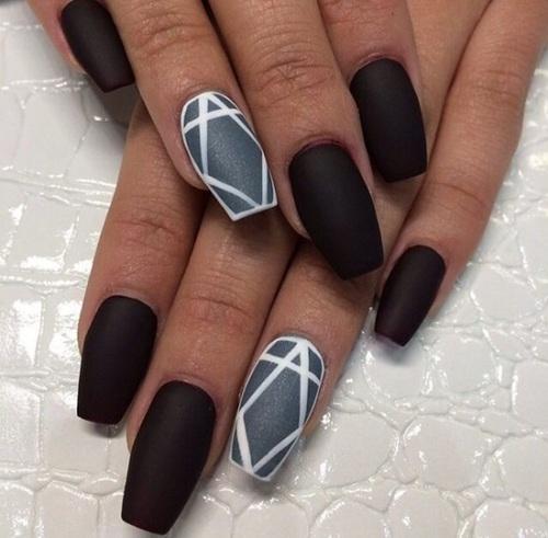 Charming black silver design Matte nail art