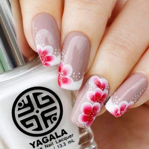 Charming pink & grey flower Contrast nail art