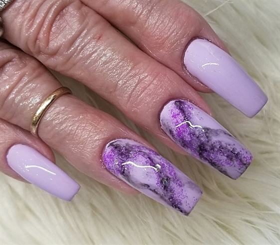 Charming purple print Marble nail art