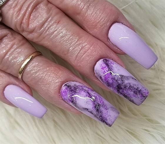 Charming purple print Marble nail art