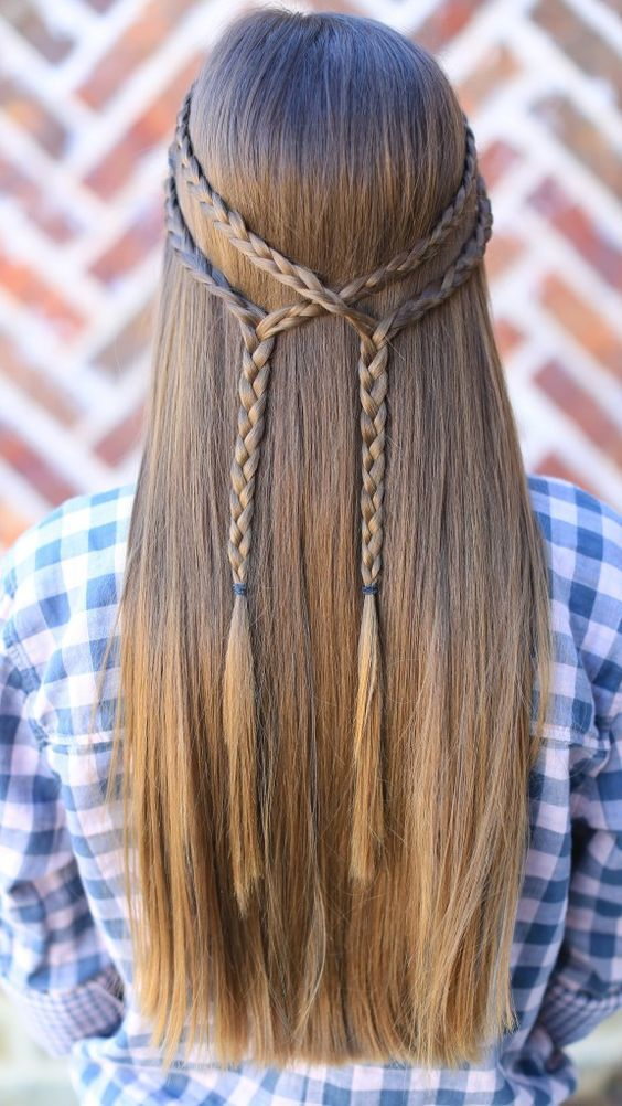 Charming straight Braid Hairstyle