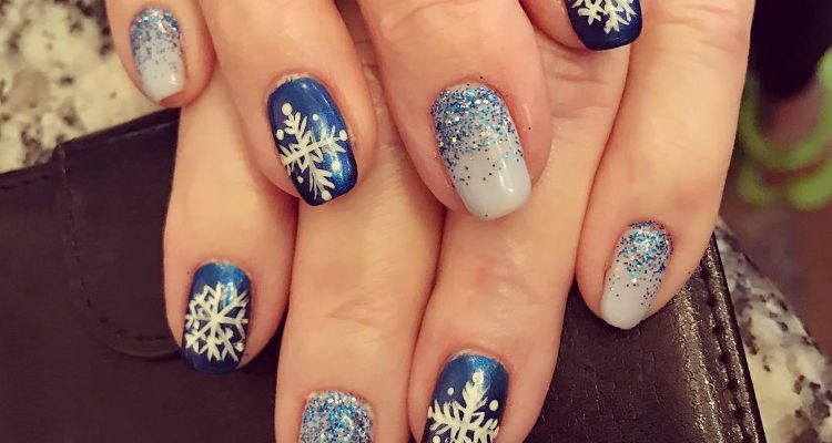 Christmas blue Glitter nail art