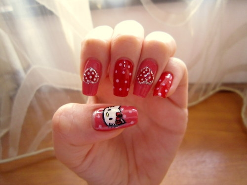 Christmas red color Hello kitty nail art