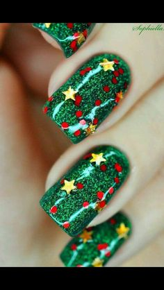 Cute Christmas tree Glitter nail art