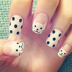 Cute doted cat Animal print nail art
