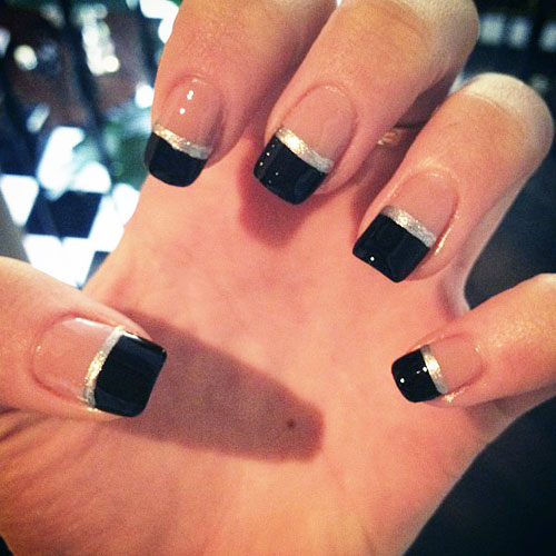 Dashing black Color blocking nail art