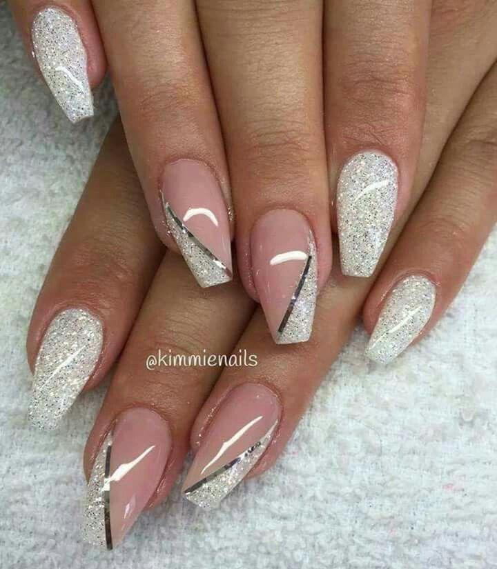 Dazzling silver grey Glitter nail art