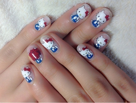 Easy sticker Hello kitty nail art