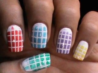 Elegant white pattern Tiles nail art