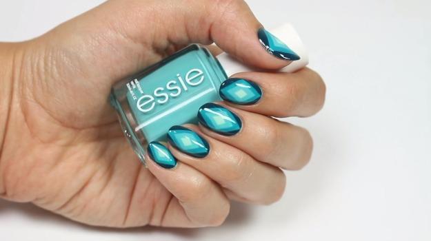 Epic creative blue diamond design Ombre nail art