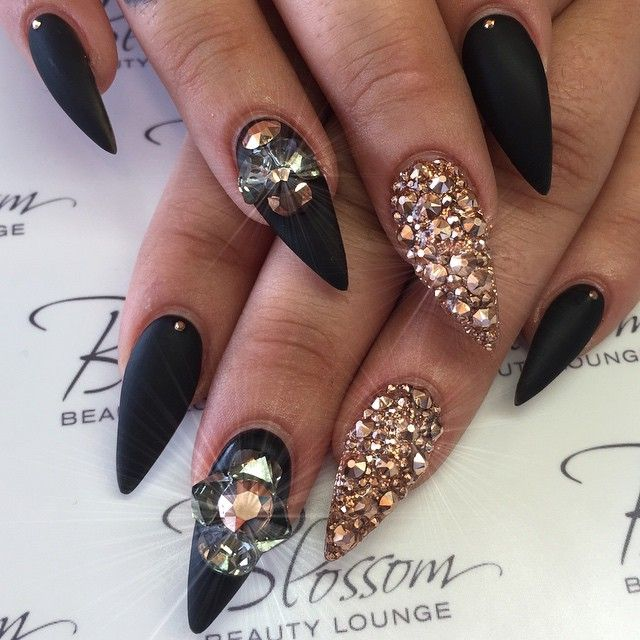 Fabulous black design Stones nail art