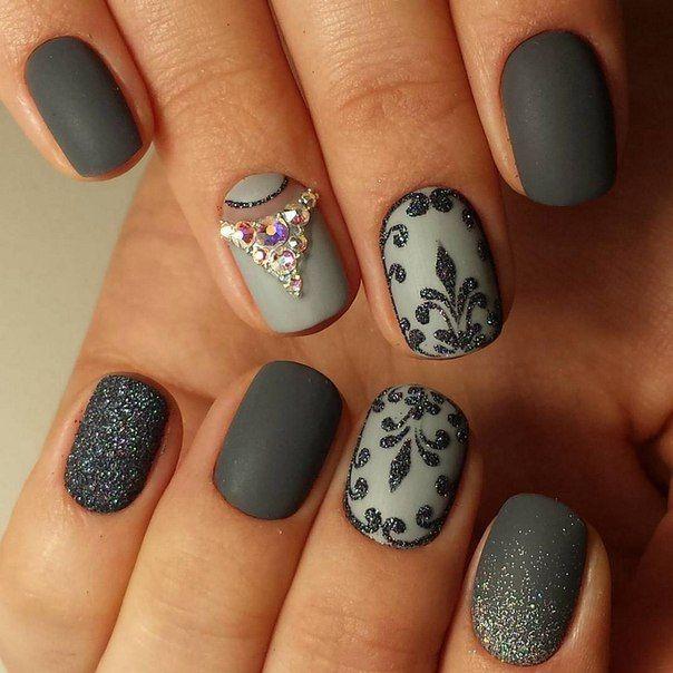 Fabulous grey spark Matte nail art