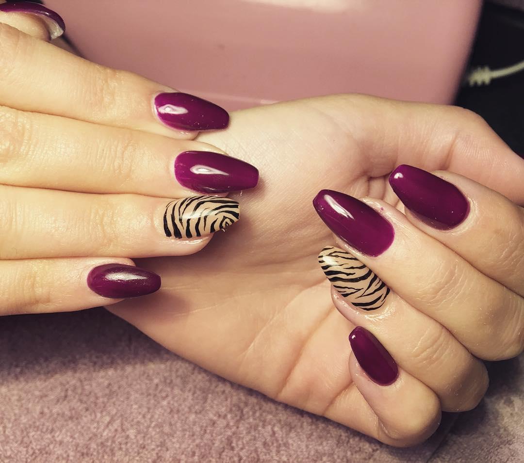 Fabulous purple Animal print nail art