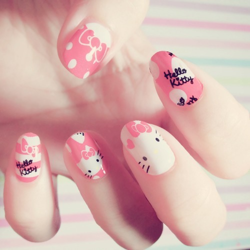 Fantastic print Hello kitty nail art