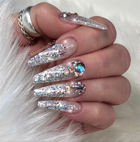Fasionable glitter stone silver Edgy nail art