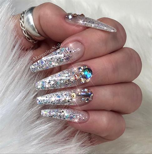 Fashionable glitter stone silver Edgy nail art