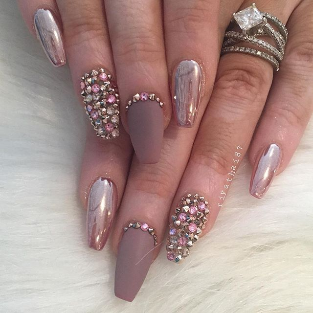 Girlish Look silver matte Stones nail art