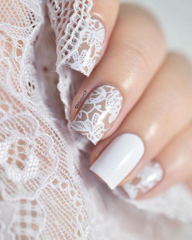 Girlish white printed design Wedding nail art