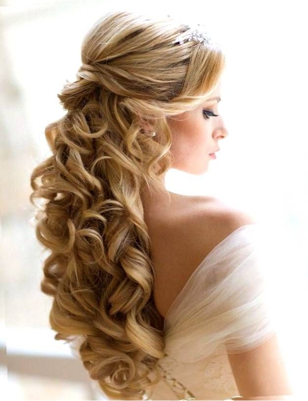 Glorious style for bridal Curly Hairstyle