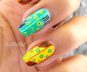 Large yellow & green circle Contrast nail art