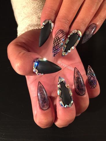 Latest black stone Edgy nail art