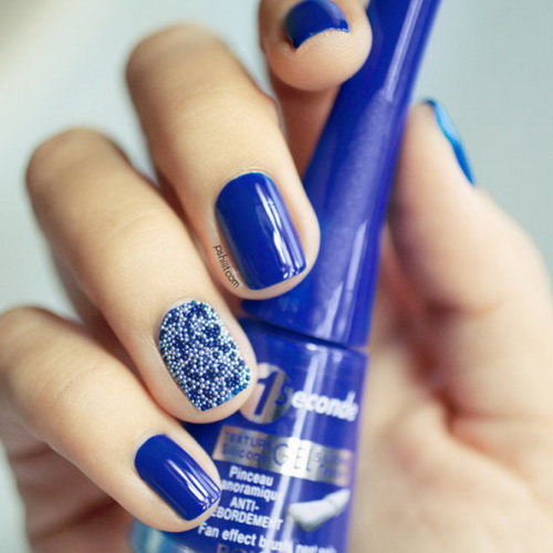 Latest blue bubble Christmas nail art