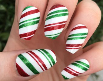 Latest color lines Christmas nail art