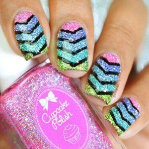 Lovely black lines Chevron design nail art