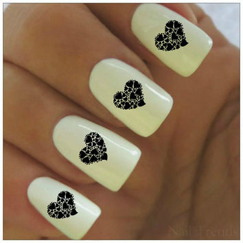 Lovely center Heart nail art
