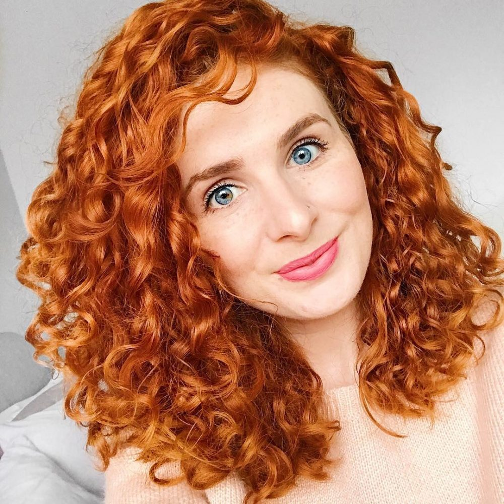 Lovely natural style for ladies Curly Hairstyle