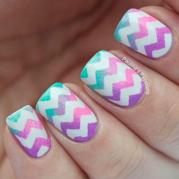 Lovely zigzag Chevron design nail art