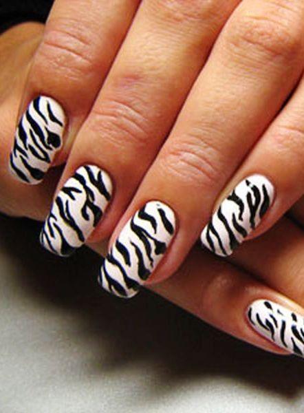 Mind blowing color combi Animal print nail art