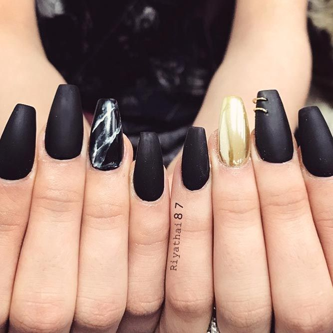 Modern marble & golden Edgy nail art