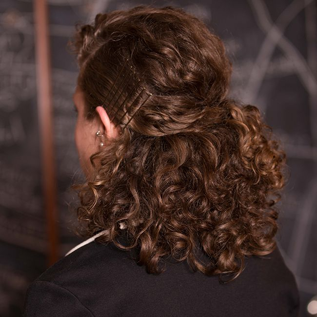 Nice look for working women Curly Hairstyle