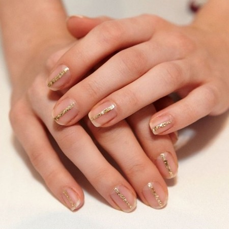 One golden gel Color blocking nail art