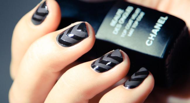 Party time design Chevron design nail art