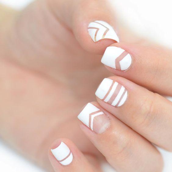 Plane white Chevron design nail art