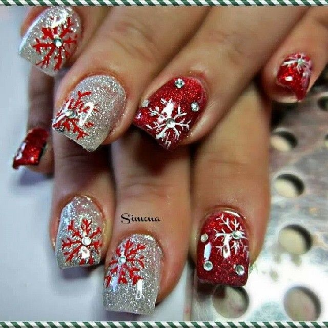 Red snow glitter Christmas nail art