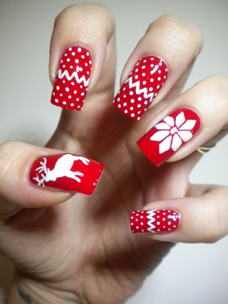 Red & white color dotted Christmas nail art