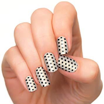 Simple black and white Polka dots nail art