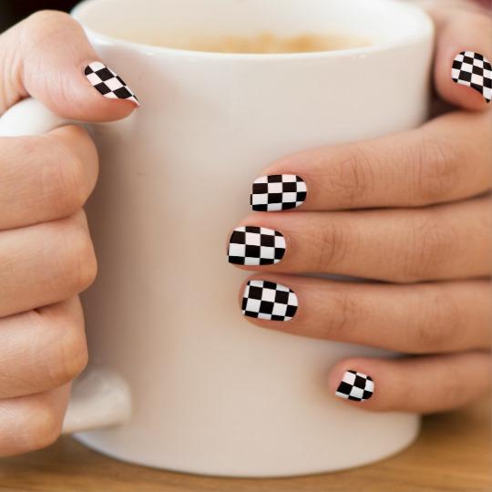 Simple black white pattern design Contrast nail art