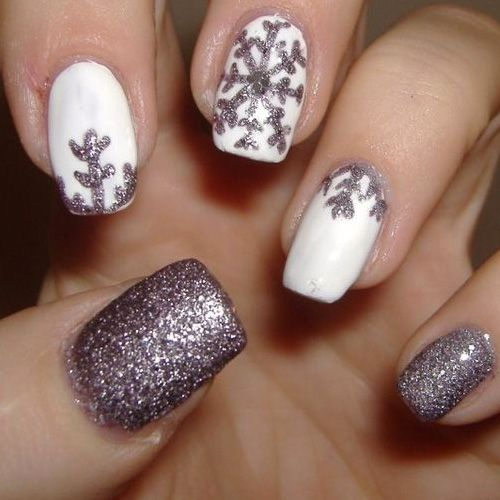 Simple silver  winter Glitter nail art