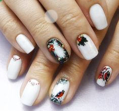 Simple white bird Christmas nail art